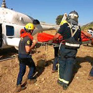 Los bomberos han conseguido evacuar a la mujer.