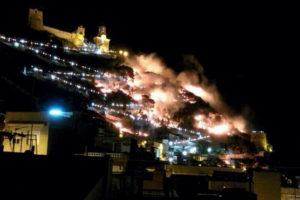 El incendio en Cullera./ Foto: Twitter @c_compromis