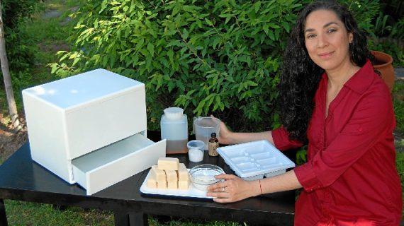 Diseñan el primer electrodoméstico que convierte el aceite usado en jabón biodegradable