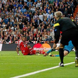 El instante del gol de Benzema. / Foto: Helios de la Rubia / www.realmadrid.com