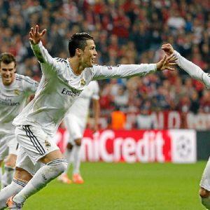 Cristiano Ronaldo celebra con sus compañeros uno de los goles. / Foto: www.realmadrid.com