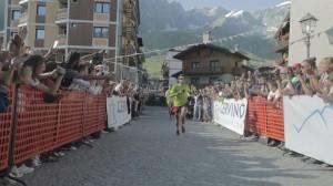 Jornet llegó corriendo tras coronar el Cervino. / Foto: www.facebook.com/summitsofmylife