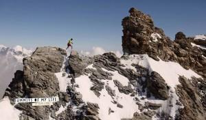 Kilian Jornet corre entre cumbres nevadas. / Foto: www.facebook.com/summitsofmylife