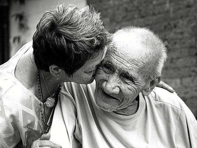 Unas 800.000 personas padecen Alzheimer en España.