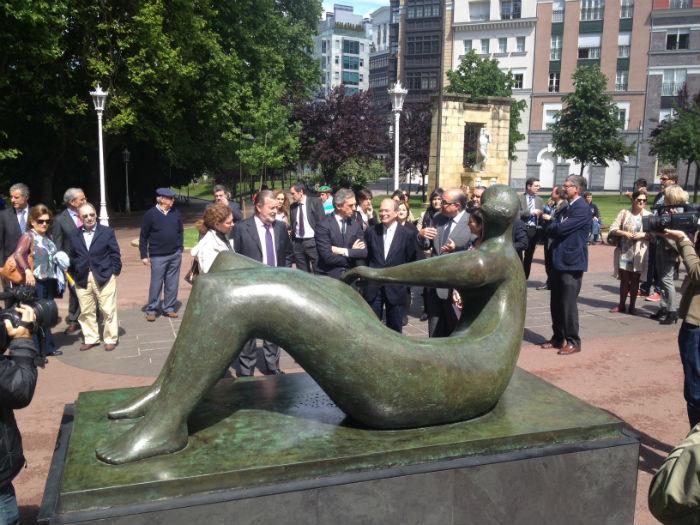 Escultura de Henry Moore en Bilbao.