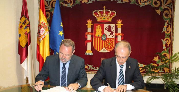 Firmado un convenio para agilizar la tramitación de los expedientes de justicia gratuita