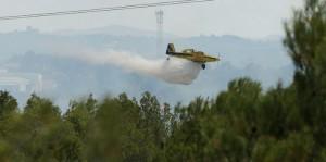 Operativos para sofocar el incendio de Manises (Valencia).