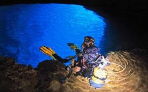 Las Cuevas de Guillem en el cabo de Punta Rasa.