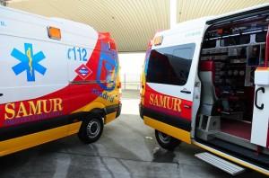 El Samur-Protección Civil atendió a uno de los jóvenes heridos en la reyerta.