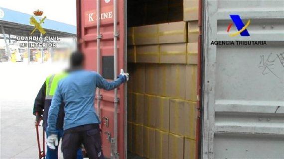 Intervienen tabaco de contrabando por valor de 2,4 millones de euros en el puerto de Barcelona