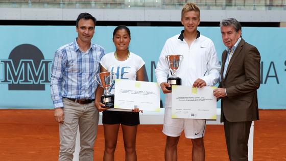 Eduard Güell y Marta Huqing conquistan el Mutua Madrid Open Sub-16