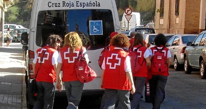 Más de 1,2 millones de voluntarios trabajan en España en programas financiados con la 'X Solidaria'