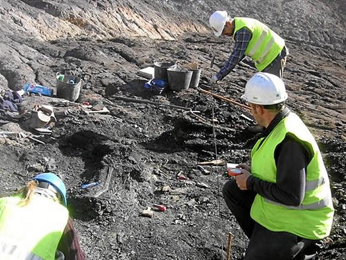 Excavaciones en Ariño.
