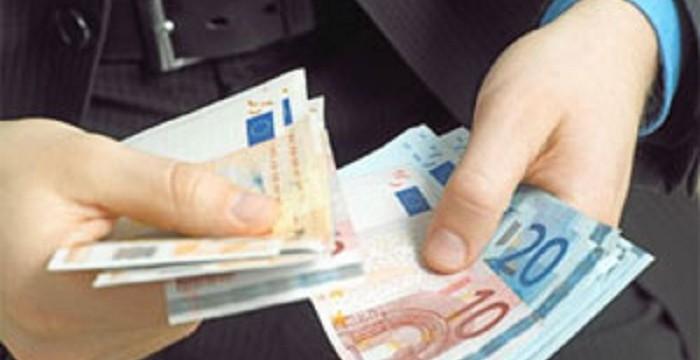 Una decena de empresas cotizadas inician el año con el pago del dividendo a su accionistas