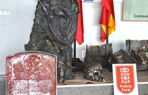 La Policía navarra detiene a tres personas y recupera la estatua de Bécquer robada en Zaragoza