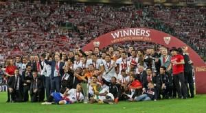 Gameiro marcó el penalti que dio el título al Sevilla. / Foto: http://www.sevillafc.es