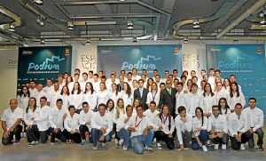 Los 80 jóvenes que participan en el programa Podium.