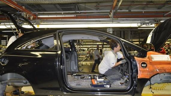 La producción industrial regresa a terreno positivo en 2014 con un alza del 1,4%
