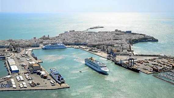 El tráfico de mercancías en los puertos públicos crece un 4,2% en el primer trimestre de 2013