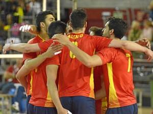 La selección masculina logró un merecido triunfo. / Foto: /www.rfevb.com/