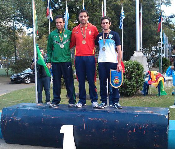 Martín consigue subir al primer puesto del podio.