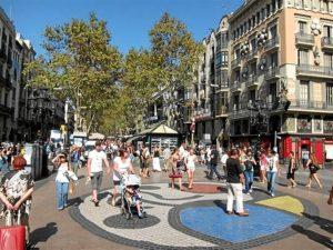 Canarias y Andalucía fueron las Comunidades que experimentaron un mayor incremento de turistas.