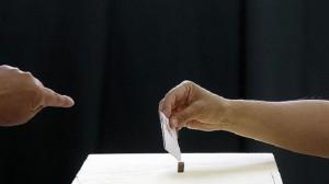 Los votantes españoles acudirán a las urnas el 25 de mayo para elegir a 54 eurodiputados.