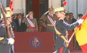 El Rey y el Príncipe con el uniforme del Ejército de Tierra.