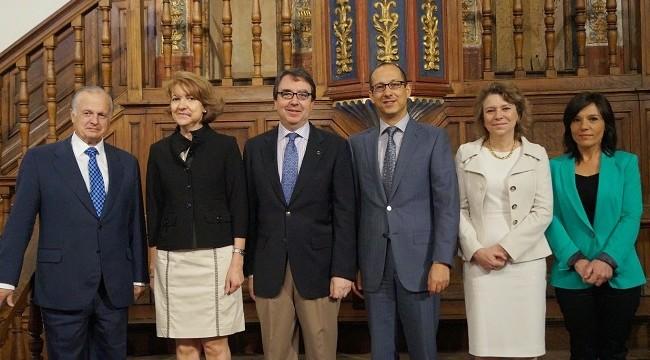 La Universidad de Alcalá crea una cátedra de investigación en medicamentos biotecnológicos