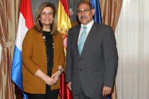 Fátima Báñez y Guillermo Sosa Flores.