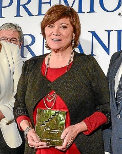 Nativel Preciado recibiendo el Premio Lara. / Foto: es.wikipedia.org