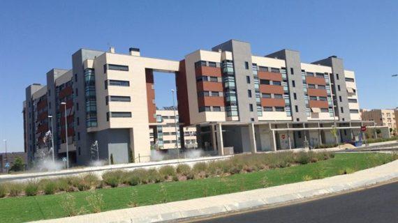 La compraventa de viviendas crece un 11,1% en abril, según los notarios