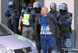 Uno de los detenidos por la Policía.
