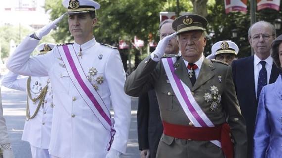 El Rey preside entre aplausos su último Día de las Fuerzas Armadas