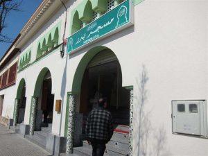 Las mezquitas se preparan para acoger los rezos durante el Ramadán.