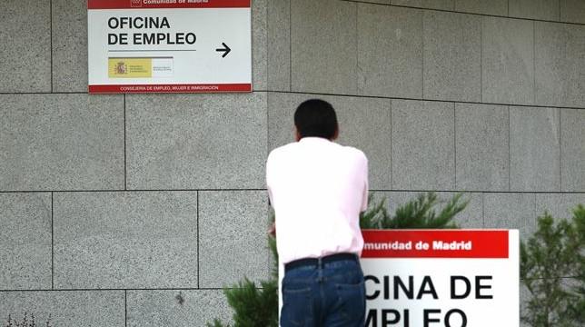 España registrará la mayor caída del paro entre los países de la OCDE hasta finales de 2015
