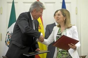 Ana Pastor y Gerardo Ruiz. / Foto: Ministerio de Fomento / Diego Crespo