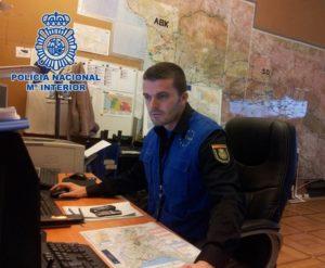 Policia Nacional realizando misiones en internet