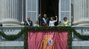 Los Reyes junto a sus hijas, Don Juan Carlos y Doña Sofía.