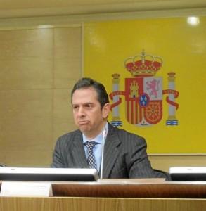 Rueda de prensa sobre las letras colocadas por Tesoro Público.