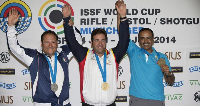 Antonio Bailón, medalla de oro en foso olímpico en la Copa del Mundo de Munich