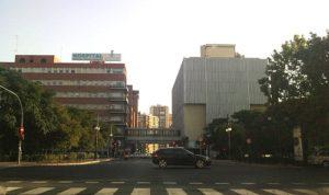 Fachada sur del Hospital Clínico de Valencia. es.wikipedia.org