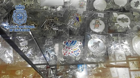 Cae un entramado que distribuía joyas falsas de conocidas marcas vía Internet