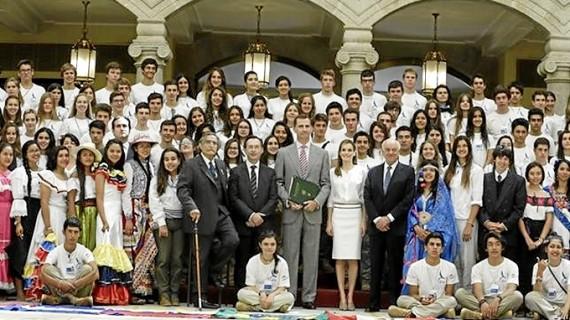 Los Reyes reciben en audiencia a los jóvenes de la 'Ruta Brava 2014'