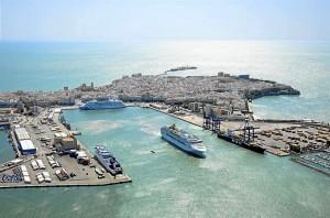 Puerto de mercancías perteneciente al Estado