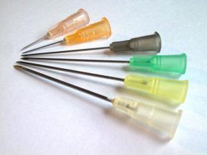Jalón Corominas utilizó el plástico para crear las agujas hipodémicas desechables. / Foto: wikipedia.
