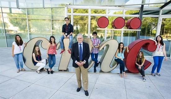 Ocho de los mejores estudiantes de Bachillerato de España participan en el programa 'Acércate' del CNIC