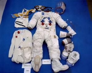 Trajes espaciales, como el de Neil Armstrong, se basan en el diseño que hizo Emilio Herrera.