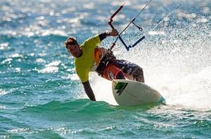Javier Fernández surfeando