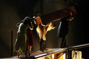 De Müller ha llevado a escena varias piezas, como por ejemplo 'La máquina Hamlet'.